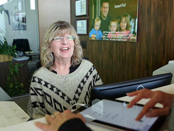 Photo of Sue Unzelman, Sioux Falls Director of First Impressions